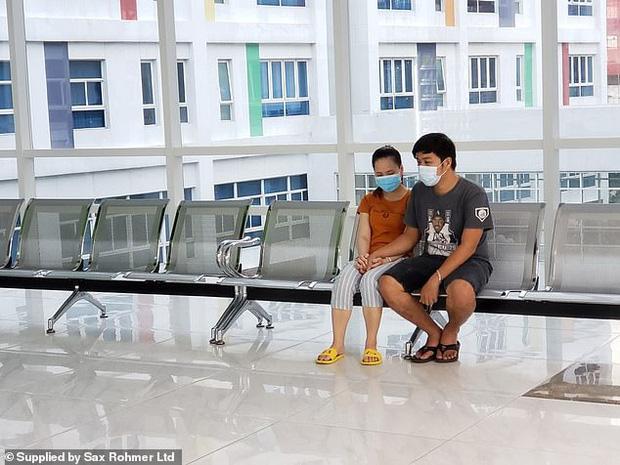 Ca phẫu thuật tách rời thành công cặp song sinh Trúc Nhi - Diệu Nhi của các y bác sĩ Việt Nam thu hút sự chú ý báo chí nước ngoài - Ảnh 6.