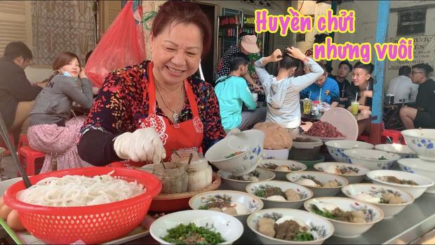 """3 hàng """"bún chửi"""" đình đám nhất Việt Nam: Lúc nào cũng đông nghẹt khách tìm đến vì tò mò, đồ ăn thuộc dạng ngon nức tiếng - Ảnh 8."""