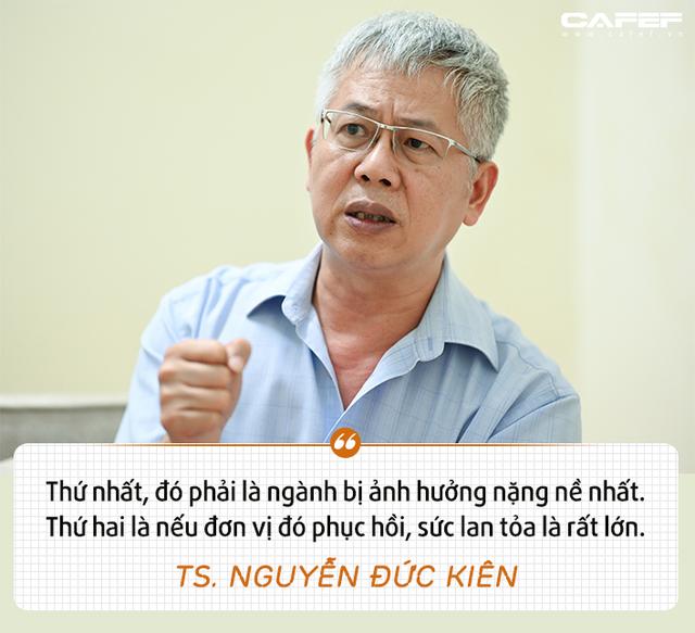 """Tổ trưởng Tổ tư vấn của Thủ tướng: Vì sao cần """"cứu"""" Vietnam Airlines? - Ảnh 4."""