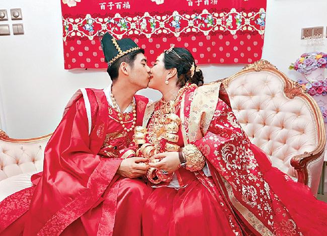 Các con của Vua sòng bài Macau lần lượt kết hôn để có lợi thế tranh gia tài, ái nữ xinh đẹp nhất vẫn bình thản với bạn trai nổi tiếng - Ảnh 5.