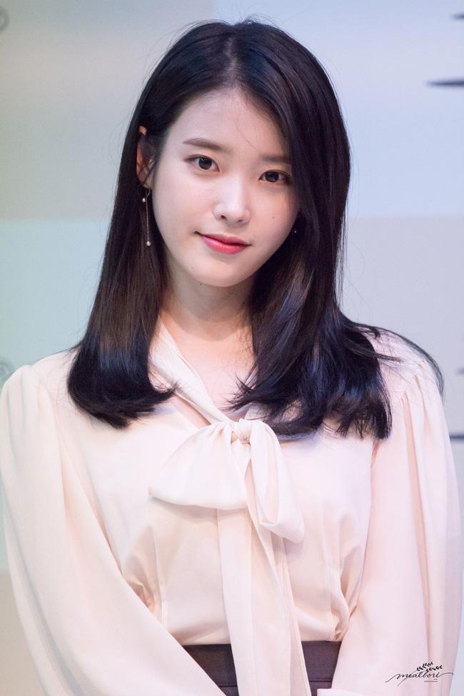 Top mỹ nhân Hàn Quốc có tầm ảnh hưởng nhất trên mạng xã hội Trung Quốc: Vụ ly hôn với Song Joong Ki cũng không giúp Song Hye Kyo vượt qua đàn em này - ảnh 2