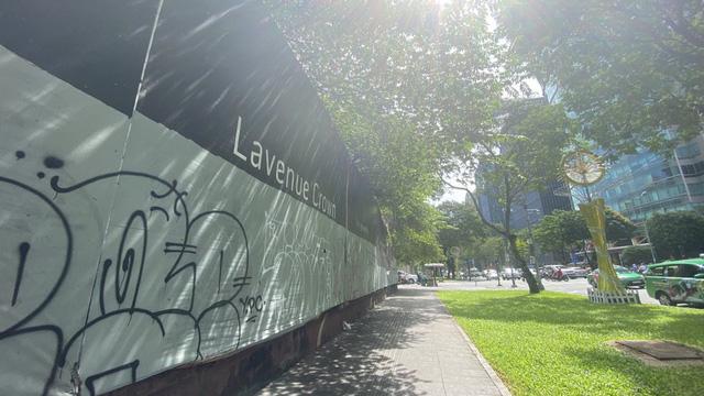 Cận cảnh cao ốc đắp chiếu, làm xấu bộ mặt trung tâm Sài Gòn - Ảnh 15.