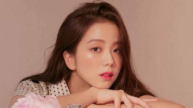 Top mỹ nhân Hàn Quốc có tầm ảnh hưởng nhất trên mạng xã hội Trung Quốc: Vụ ly hôn với Song Joong Ki cũng không giúp Song Hye Kyo vượt qua đàn em này - ảnh 4