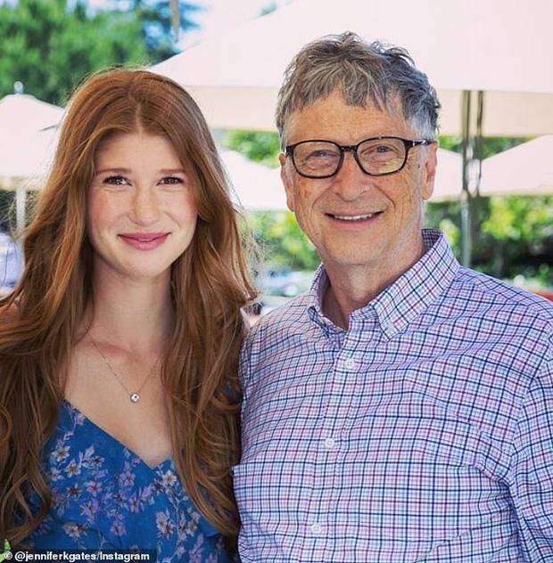 Con gái tỷ phú Bill Gates lần đầu tiết lộ cuộc sống bên trong gia đình tài phiệt của mình: Tôi được sinh ra trong môi trường đầy những đặc quyền - Ảnh 6.