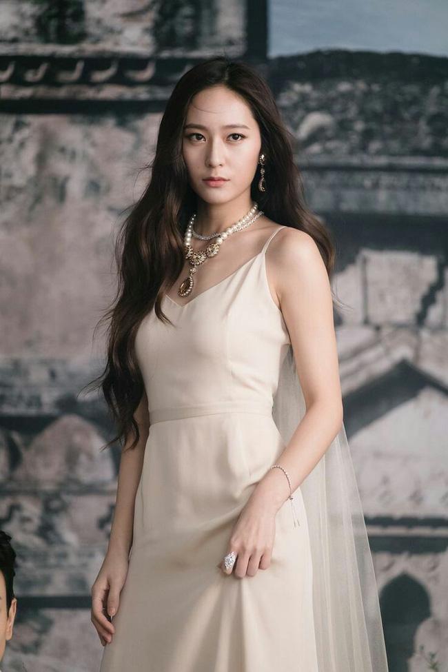 Top mỹ nhân Hàn Quốc có tầm ảnh hưởng nhất trên mạng xã hội Trung Quốc: Vụ ly hôn với Song Joong Ki cũng không giúp Song Hye Kyo vượt qua đàn em này - ảnh 10