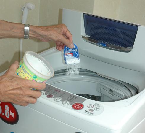 """""""Nằm lòng"""" bí kíp sử dùng máy giặt tránh hao tổn cả triệu tiền điện mỗi tháng - Ảnh 1."""