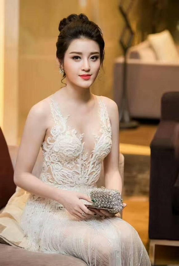 Á hậu Huyền My: Thời điểm này, tôi không nghĩ tới chuyện lấy chồng nữa - Ảnh 4.