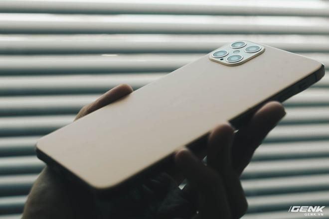 Cảnh giác với iPhone 12 Pro Max hàng nhái chạy Android, giá 2.5 triệu đồng tại Việt Nam - Ảnh 19.