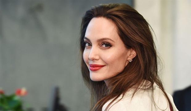 Rộ tin Angelina Jolie yêu đồng giới 2 mỹ nhân đình đám Hollywood, cưới Brad Pitt làm lá chắn - Ảnh 5.