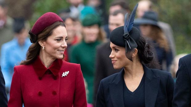 Sự cố khó xử khiến quan hệ của Meghan và Công nương Kate xuất hiện những rạn nứt đầu tiên, kéo cả anh em William và Harry vào cuộc - Ảnh 6.