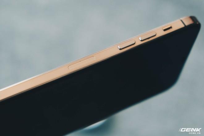 Cảnh giác với iPhone 12 Pro Max hàng nhái chạy Android, giá 2.5 triệu đồng tại Việt Nam - Ảnh 7.