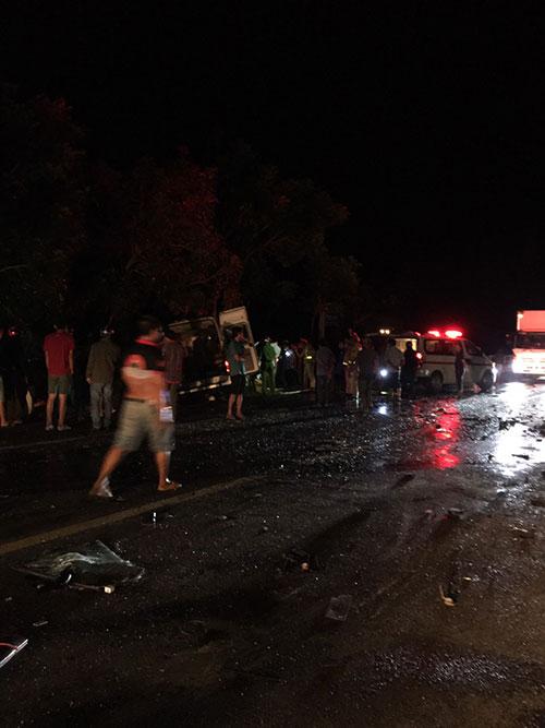 Tai nạn nghiêm trọng làm 8 người tử vong, nhiều người bị thương ở Bình Thuận: Tốc độ 2 xe là bao nhiêu? - Ảnh 3.