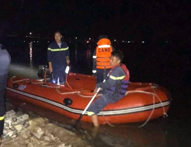 Đi tắm sông Lam 3 mẹ con cô cháu đuối nước thương tâm - Ảnh 2.