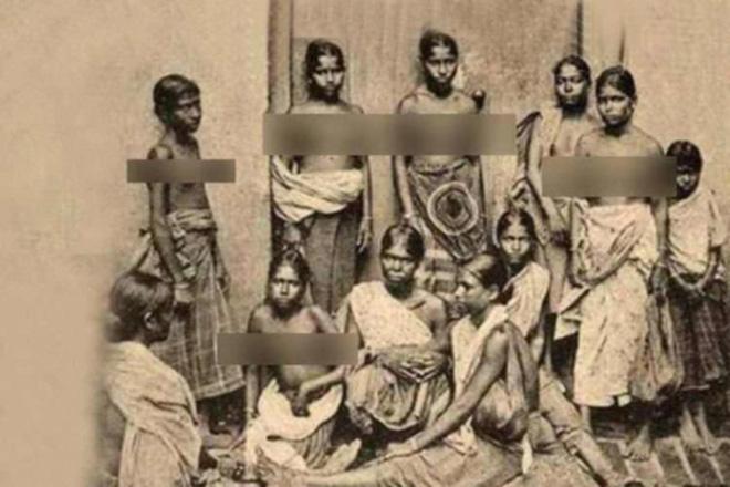 Loại thuế bắt phụ nữ Ấn Độ phải thả rông và đóng tiền theo kích cỡ - Ảnh 1.