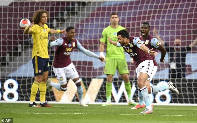 Đỉnh cao mưu kế Premier League: Chọc cười đối thủ rồi bất ngờ lập công, cứu cả đội bóng - Ảnh 4.