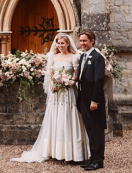 Meghan Markle được cho là nổi cơn thịnh nộ và cảm thấy bị sỉ nhục vì đám cưới đẹp như cổ tích của công chúa nước Anh - Ảnh 1.