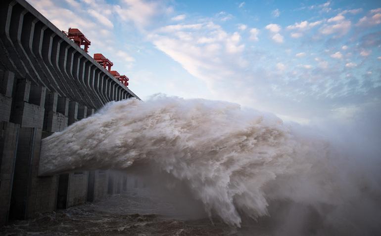 """Lũ lụt quá mạnh, công ty điều hành lần đầu thừa nhận đập Tam Hiệp """"biến dạng nhẹ"""""""