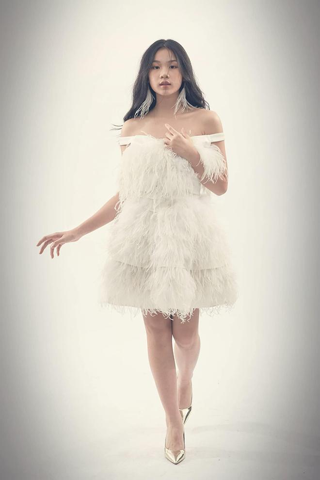 Vẻ phổng phao, xinh đẹp tuổi 15 của con gái ruột Lưu Thiên Hương  - Ảnh 8.