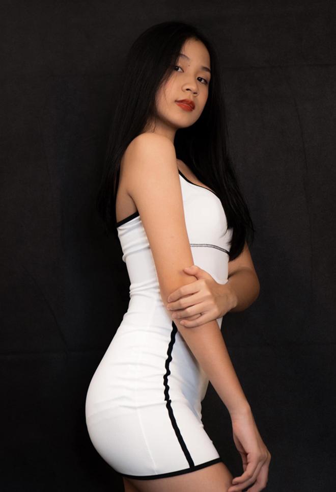 Vẻ phổng phao, xinh đẹp tuổi 15 của con gái ruột Lưu Thiên Hương  - Ảnh 5.
