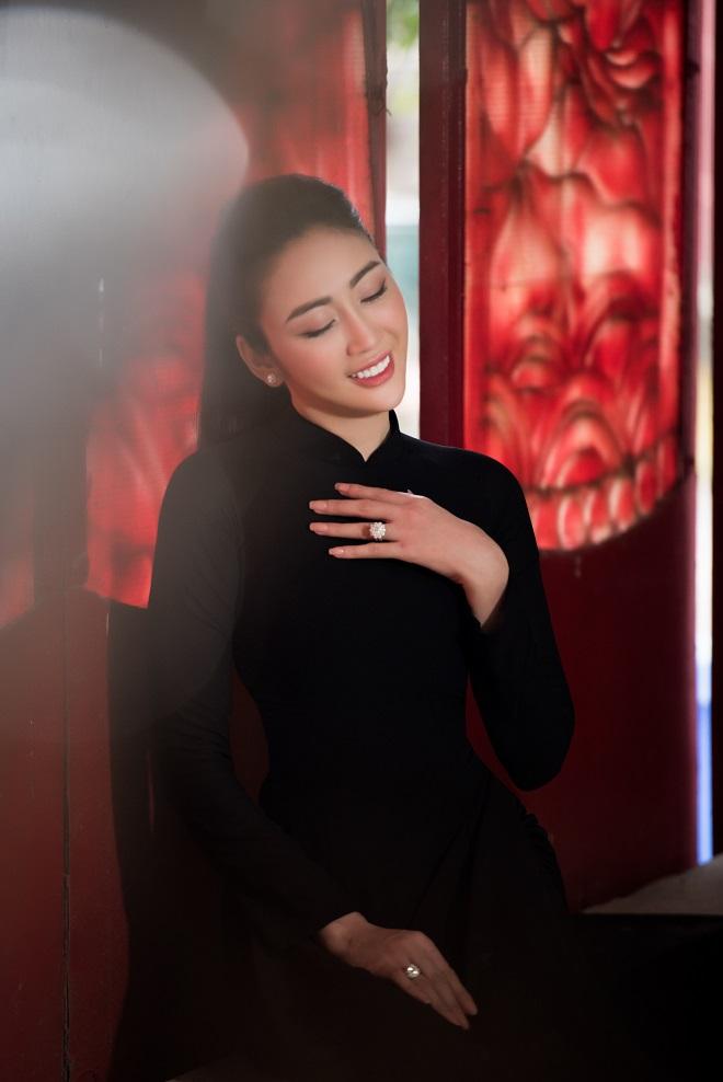 Người mẫu Võ Nhật Phượng từng muốn chết vì bị liệt nửa mặt - Ảnh 6.