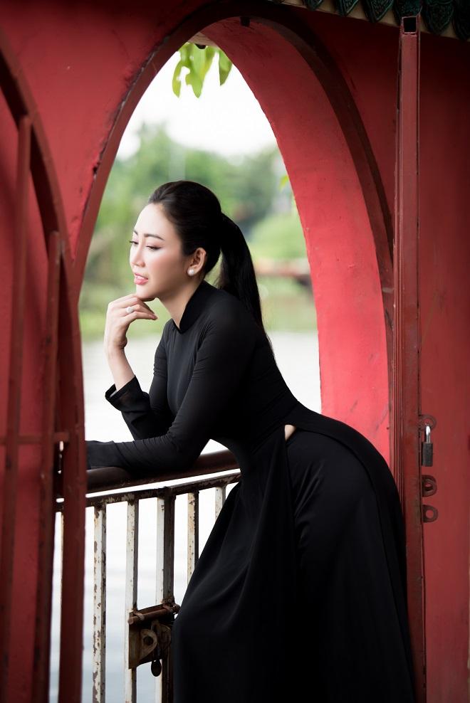 Người mẫu Võ Nhật Phượng từng muốn chết vì bị liệt nửa mặt - Ảnh 8.