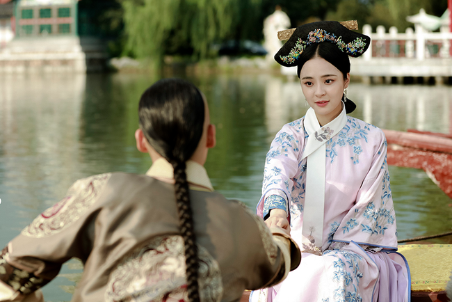 Phi tần bí ẩn của Hoàng đế Càn Long: Tuyệt sắc giai nhân xuất thân thường dân được xem là nguyên nhân khiến Kế hoàng hậu cắt tóc đoạn tình - Ảnh 1.