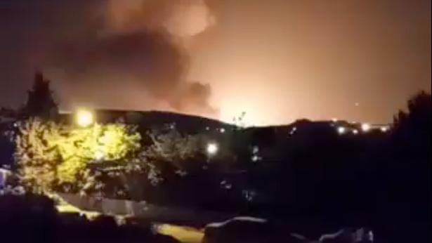 Hiện trường tan nát ở thủ đô Syria sau tập kích tên lửa Israel - Ai Cập sắp nhận hàng nóng từ Nga, Thổ cảnh giác trước đòn trừng phạt ở Libya? - Ảnh 3.