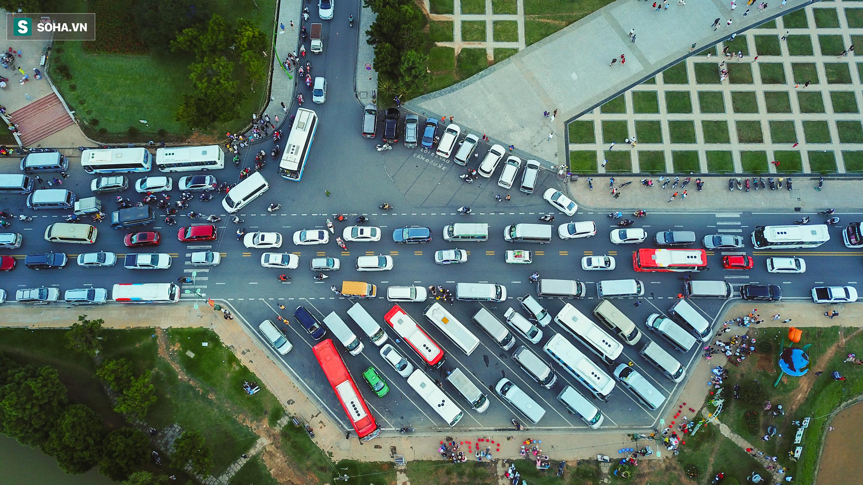 [Ảnh] Kẹt xe, ùn tắc khắp nơi ở Đà Lạt dịp cuối tuần - Ảnh 3.