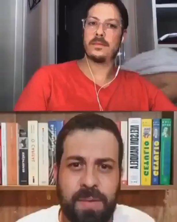 Đang livestream phỏng vấn, người dẫn chương trình đứng hình khi vợ khỏa thân đi qua - Ảnh 1.