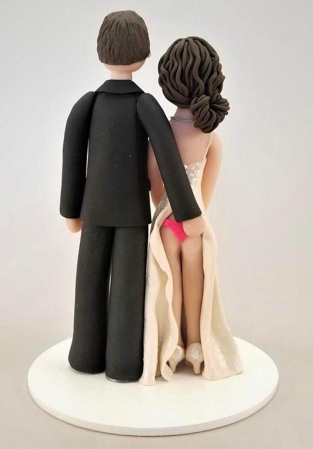 Cặp đôi bị dân mạng la ó phản đối vì chiếc bánh cưới nhạy cảm, bị xếp vào diện thô tục - Ảnh 1.