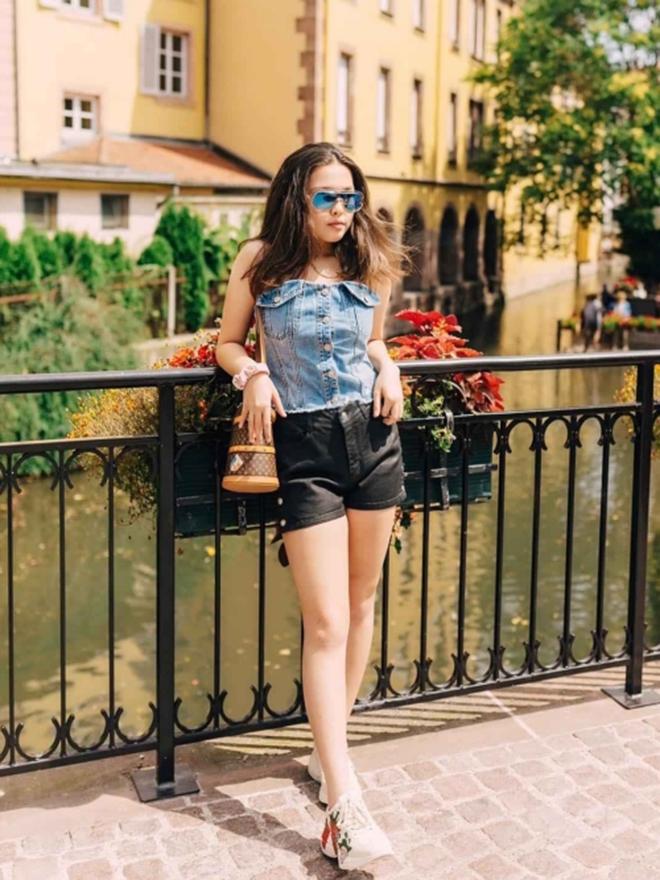Chân dung cô con gái 17 tuổi phổng phao, sành điệu của Phượng Chanel - Ảnh 11.