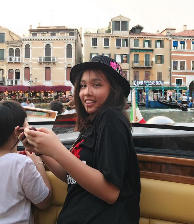 Chân dung cô con gái 17 tuổi phổng phao, sành điệu của Phượng Chanel - Ảnh 5.