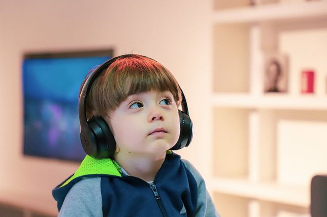 Mất thính giác ở trẻ em khi sử dụng tai nghe quá nhiều và cách phòng ngừa - Ảnh 4.
