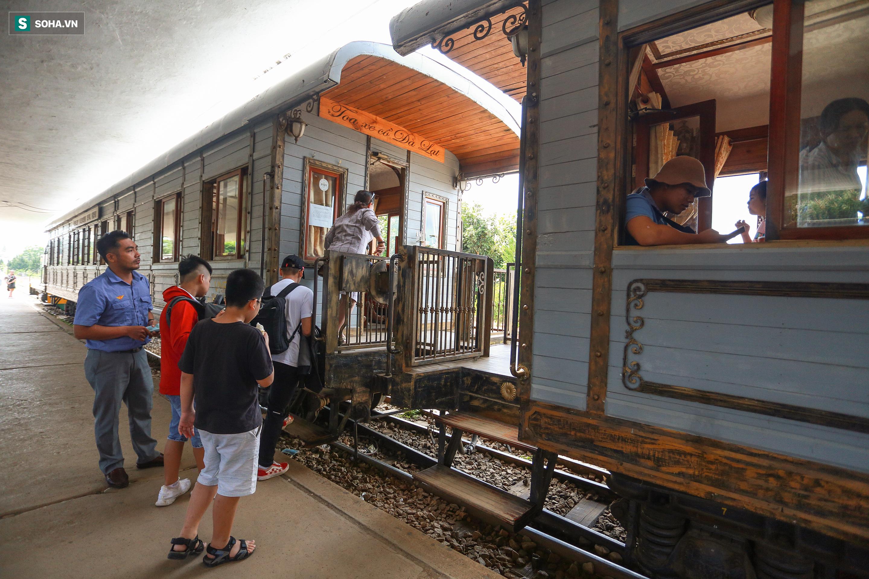 Vẻ đẹp cổ kính của ga tàu hoả gần 100 tuổi ở Đà Lạt nhìn từ trên cao - Ảnh 15.
