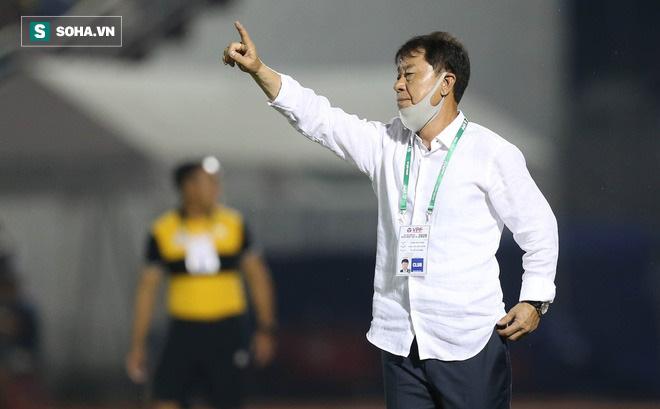 Chủ tịch Hữu Thắng: Tôi giúp HLV Chung vô điều kiện, sao ông ấy lại lên báo Hàn nói thế? - Ảnh 1.