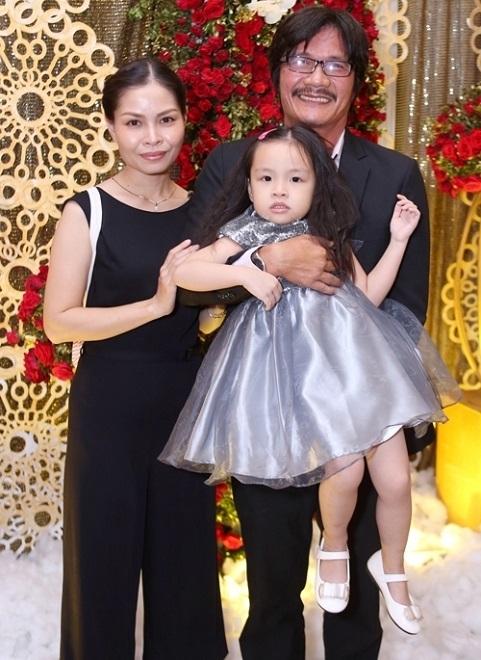NSƯT Công Ninh lên chức cha ở tuổi 53: Tôi không bất ngờ vì biết mình còn khả năng sinh con - Ảnh 2.