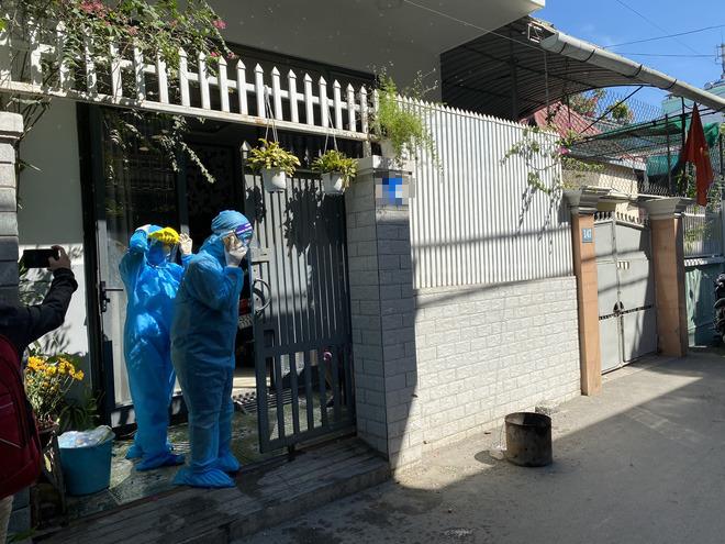 [Ảnh] Cận cảnh ngành y tế Đà Nẵng chạy đua ngăn Covid-19 lây lan trong cộng đồng - Ảnh 4.