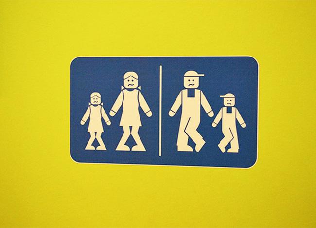 Những tấm biển chỉ dẫn nhà vệ sinh hài hước và độc đáo khiến ai cũng phải công nhận sức sáng tạo của con người thật không có giới hạn - Ảnh 20.