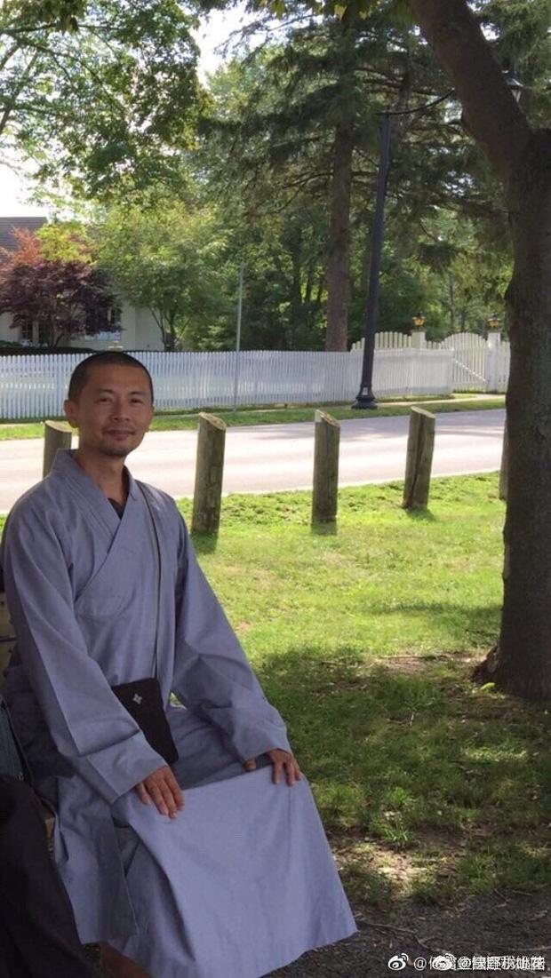 Tài tử Tiếu Ngạo Giang Hồ: Từ thiếu gia ăn chơi khét tiếng đến quyết định quy y cửa Phật - Ảnh 4.