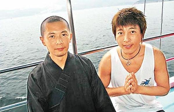 Tài tử Tiếu Ngạo Giang Hồ: Từ thiếu gia ăn chơi khét tiếng đến quyết định quy y cửa Phật - Ảnh 5.