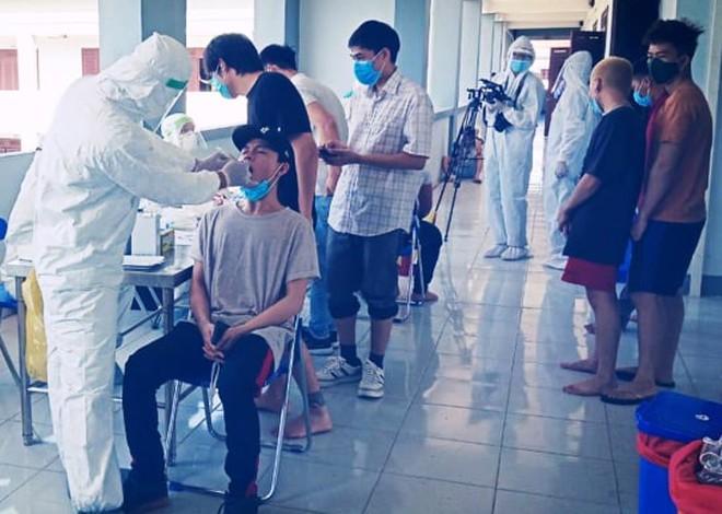 11 bệnh nhân mắc Covid-19 ở Đà Nẵng đã đi đâu, tiếp xúc với ai? - Ảnh 4.