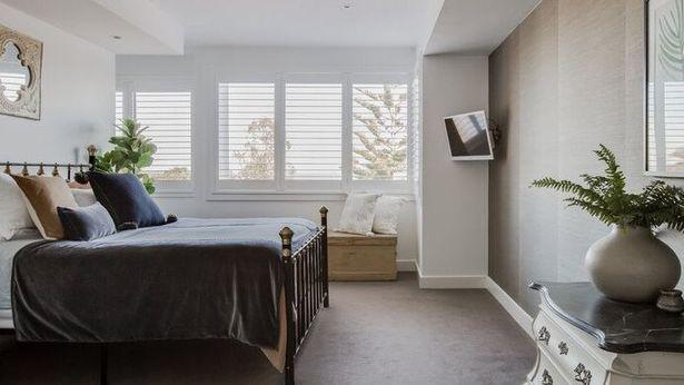 Ngôi nhà 4 phòng ngủ được rao bán với giá 80 tỷ, khách xem bước vào mới rõ bí mật bên trong - Ảnh 1.