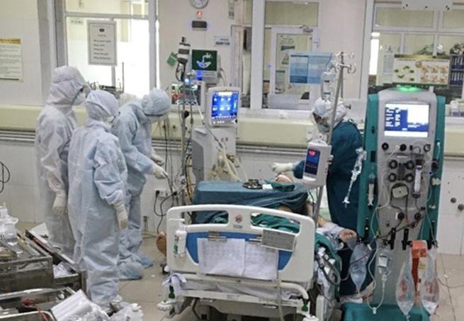 7/11 bệnh nhân Covid-19 ở Đà Nẵng có bệnh lý nền phức tạp - Ảnh 1.