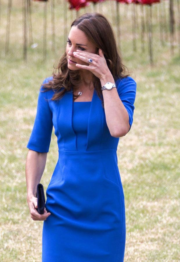 Công nương Kate thông qua bạn bè đáp trả những cáo buộc của Meghan Markle, tiết lộ những thông tin được giấu kín - Ảnh 4.