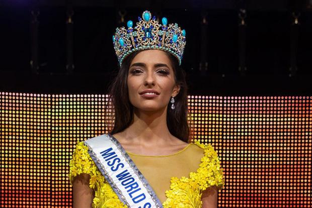 Tình huống oái oăm xảy ra trong chung kết Hoa hậu Tây Ban Nha vì tổ chức thi giữa dịch Covid-19 - Ảnh 3.
