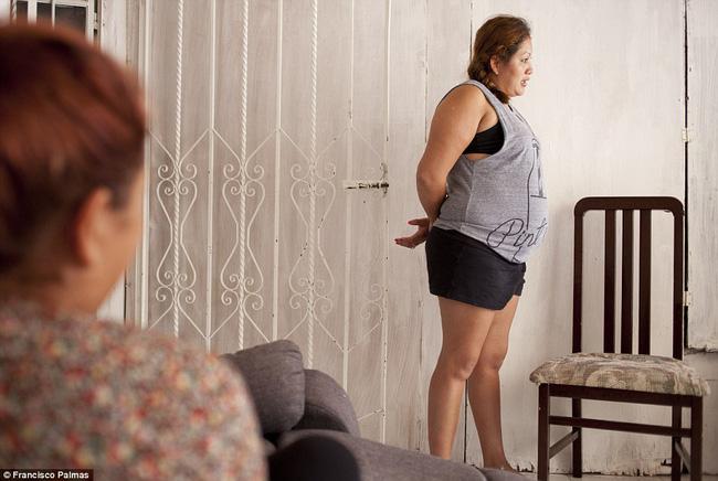 Câu chuyện về 4 chị em ruột cùng mang bầu, hạnh phúc tưởng không ai sánh bằng nhưng đằng sau là sự thật về ngành công nghiệp cho thuê tử cung - Ảnh 6.