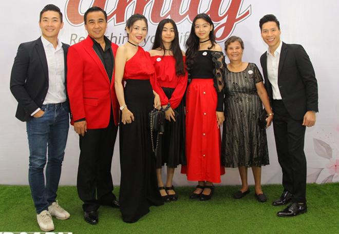 Cận cảnh nhan sắc hai ái nữ con MC Quyền Linh - Ảnh 5.