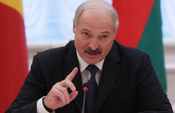 Tổng thống Belarus tuyên bố rượu vodka có thể phòng ngừa Covid-19 và cái kết bất ngờ - Ảnh 1.