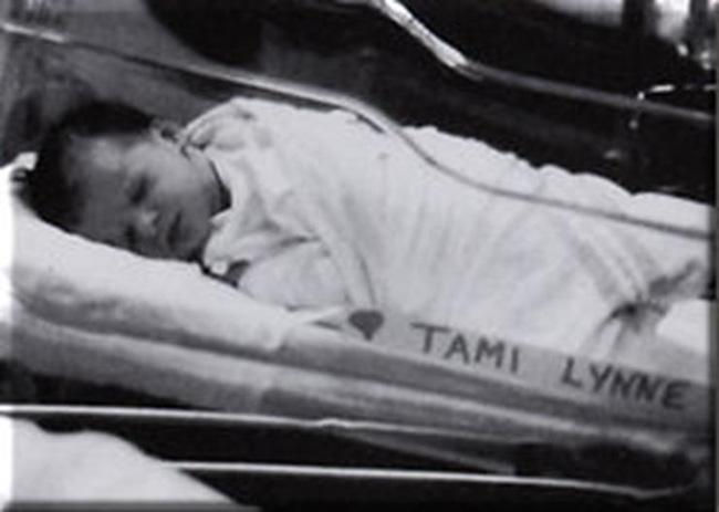 Cái chết của 9 anh chị em trong 14 năm bởi căn bệnh lạ gây ra bởi tội ác cùng lời biện hộ khó dung thứ của người mẹ - Ảnh 7.