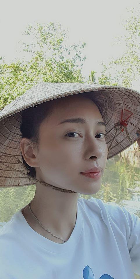 Gương mặt trẻ trung, làn da không tỳ vết của Ngô Thanh Vân ở tuổi 41 - Ảnh 6.